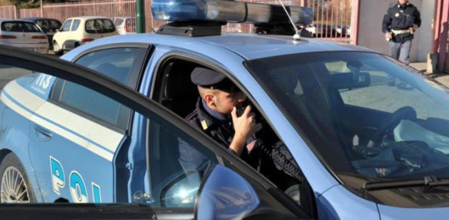 Minaccia per soldi operatori di comunità a Caltanissetta, adolescente straniero si ferisce al collo con coltello