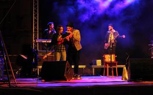 http://www.seguonews.it/mollo-tutto-tour-il-sound-merce-fresca-sbarca-nelle-radio-di-tutta-italia