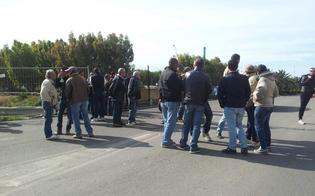 http://www.seguonews.it/a-gela-dodicesimo-giorno-di-protesta-i-lavoratori-della-raffineria-pronti-ad-azioni-eclatanti