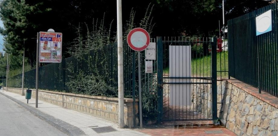 Villa Monica ancora chiusa, promesse dell'assessore non mantenute. Dura critica della terza commissione