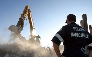 http://www.seguonews.it/abusivismo-edilizio-ruspe-in-azione-a-gela-contro-il-mattone-selvaggio-emesse-tre-ordinanze-di-demolizione