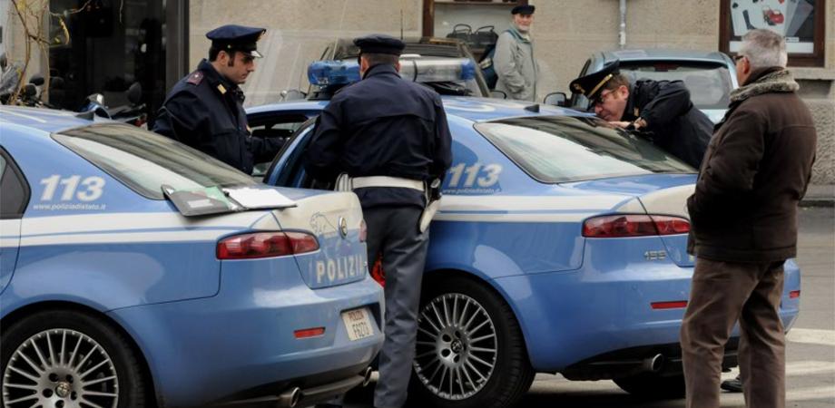 Controlli antidroga a Caltanissetta, minorenni attenzionati. La Polizia denuncia due persone per spaccio
