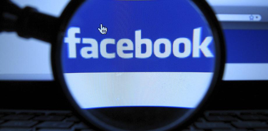 Selfie con la droga su Facebook, studente di Sommatino segnalato due volte in 9 giorni dalla Polizia