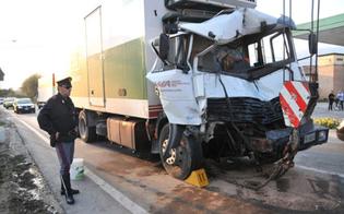http://www.seguonews.it/schianto-fra-camion-nel-nisseno-feriti-gli-autisti-uno-ricoverato-in-condizioni-critiche