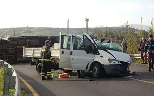 http://www.seguonews.it/schianto-con-camion-nellagrigentino-morto-giovane-operaio-di-mussomeli