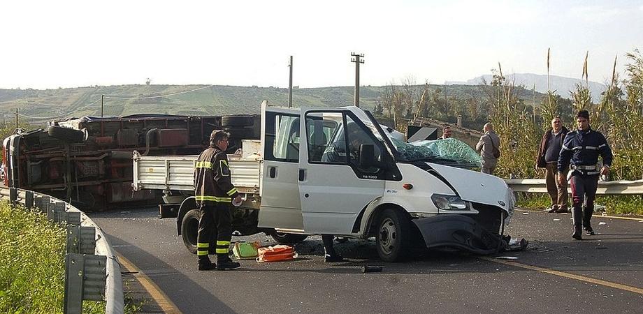Schianto con camion nell'Agrigentino, morto giovane operaio di Mussomeli