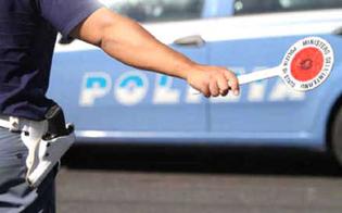 http://www.seguonews.it/favori-in-cambio-di-denaro-12-indagati-a-partinico-tra-loro-anche-sei-poliziotti