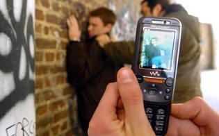http://www.seguonews.it/quindicenni-tutti-buona-famiglia-violentavano-picchiavano-coetanei-arrestati