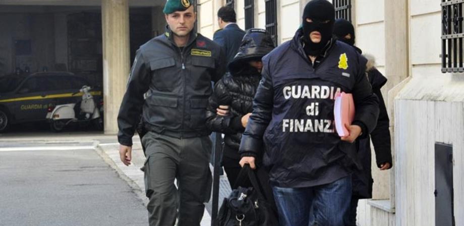 Traffico di droga sull'asse Caltanissetta-Palermo: 21 persone indagate dalla Finanza