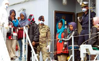 http://www.seguonews.it/sbarco-pozzallo-in-arrivo-400-profughi-soccorse-donne-incinta-gatto