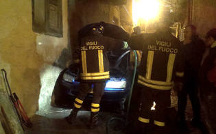 http://www.seguonews.it/attentato-a-san-cataldo-molotov-contro-lauto-di-un-uomo-il-proprietario-spegne-le-fiamme-i-carabinieri-aprono-indagine