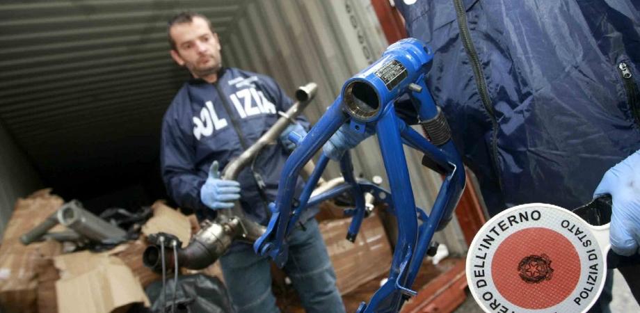 Moto di grossa cilindrata rubate ritrovate in un'abitazione di campagna a Gela