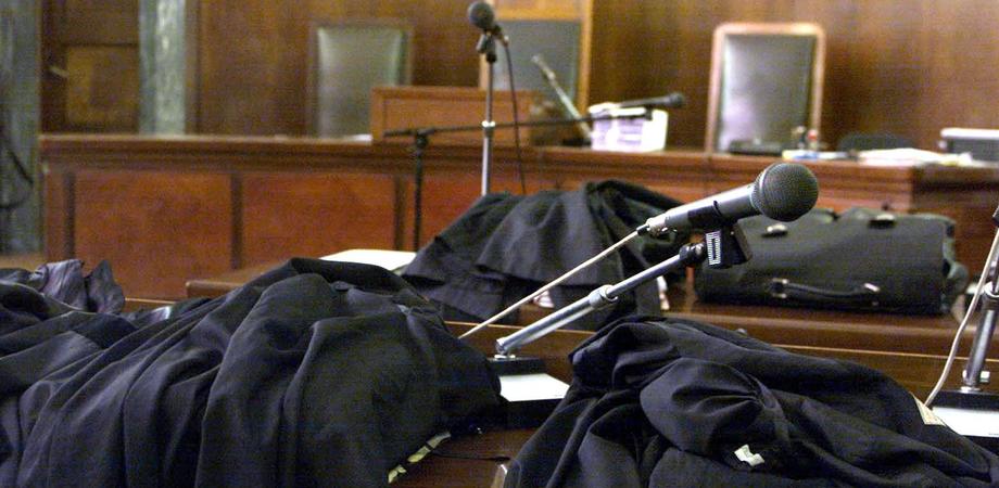 Anziana abbandonata in una casa di riposo di Caltanissetta: in sette rinviati a giudizio