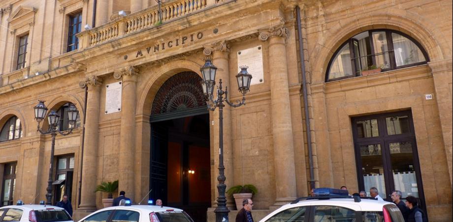 """Caltanissetta, in Comune è """"guerra"""" per il caffè: niente più pausa al bar per i dipendenti"""