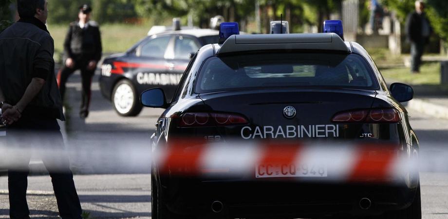 San Cataldo, violenta rapina in casa. Commando armato aggredisce un uomo per rubargli la collana d'oro