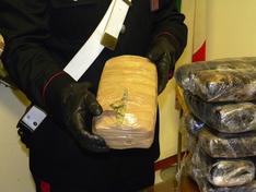 Gelese arrestato a Roma per traffico di marijuana: sequestrati 5 chili di droga e 420 euro in contanti