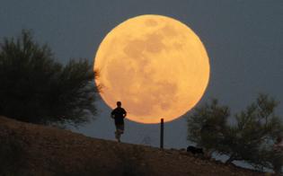 http://www.seguonews.it/sabato-sera-arriva-la-superluna-occhi-rivolti-al-cielo-sara-piu-grande-e-luminosa