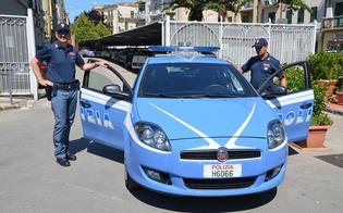 https://www.seguonews.it/caltanissetta-ubriaco-picchia-partner-butta-fuori-casa-aggredisce-i-poliziotti-denunciato