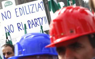 http://www.seguonews.it/caltanissetta-fanalino-di-coda-per-gli-appalti-50-di-gare-allarme-dei-costruttori-politica-non-sfrutta-i-fondi-europei