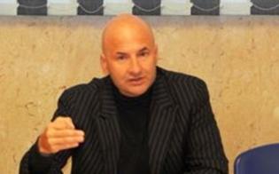 https://www.seguonews.it/confcommercio-caltanissetta-addio-polemico-del-presidente-guarino-orgoglio-siciliano-violentato-da-personaggetti