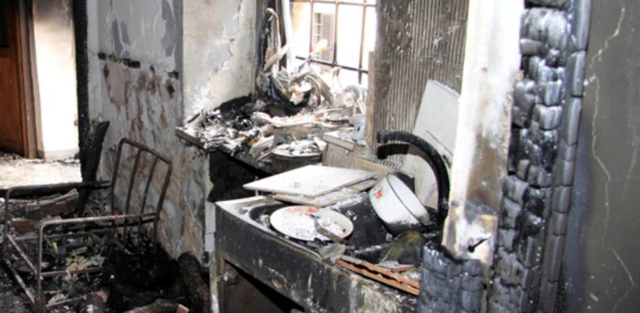 Inspiegabili incendi nel messinese: sgomberate due case