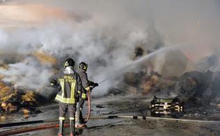 http://www.seguonews.it/sedici-ore-di-fiamme-a-caltanissetta-spento-questa-mattina-dai-vigili-del-fuoco-il-rogo-del-fienile