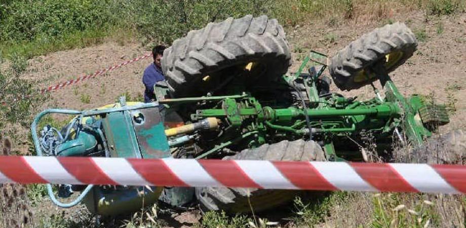 Muore travolto da un trattore, la vittima è un autotrasportatore gelese di 56 anni