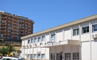 http://www.seguonews.it/caltanissetta-tentato-furto-di-cassaforte-al-p-r-a-rubati-13mila-certificati