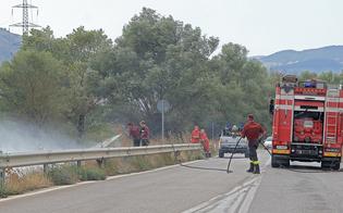 http://www.seguonews.it/arriva-londata-di-caldo-divampano-i-primi-incendi-nelle-campagne-di-caltanissetta-vigili-del-fuoco-in-stato-dallerta