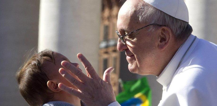 """""""Monica, incontriamoci"""". Papa Francesco scrive a madre di Palermo con figlio disabile"""