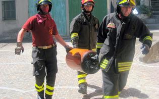 http://www.seguonews.it/esalazioni-di-gas-in-via-signorino-giallo-risolto-bombole-sepolte-in-casa-topaia