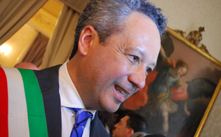http://www.seguonews.it/amministrative-caltanissetta-il-sindaco-uscente-giovanni-ruvolo-si-congratula-con-il-vincitore-roberto-gambino