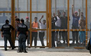 http://www.seguonews.it/caltanissetta-pian-del-lago-34enne-muore-per-cause-naturali-per-protesta-appiccato-incendio-negli-alloggi