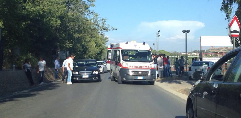 """Pian del Lago, immigrato investito da un'auto. Ricoverato in prognosi riservata al """"Sant'Elia"""""""
