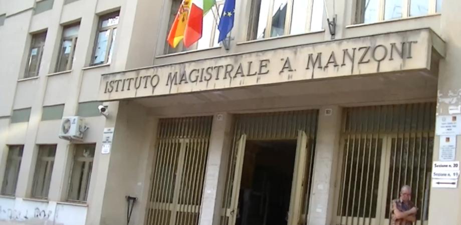 """Studenti al freddo al Liceo """"Manzoni"""", riscaldamenti guasti da un mese. Accuse dalla Rete degli Studenti contro le istituzioni"""