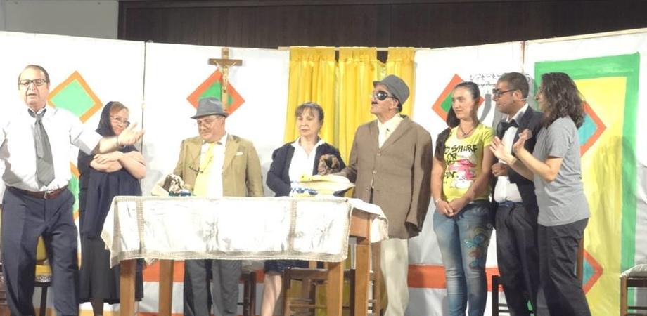 """""""C'è crisi ppi tutti"""" a Niscima: domenica 1 agosto la divertente commedia dell'Auser"""