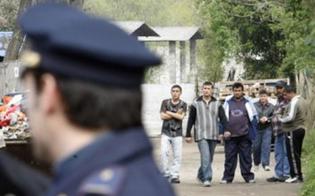 http://www.seguonews.it/diciassette-sotto-un-tetto-a-caltanissetta-immigrati-occupano-fabbricato-in-campagna-e-creano-allaccio-enel-abusivo