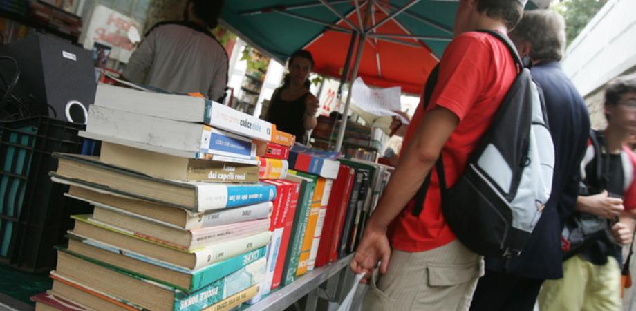 Libri scolastici, Officine d'Arte apre a San Cataldo il mercatino dell'usato contro caro prezzi