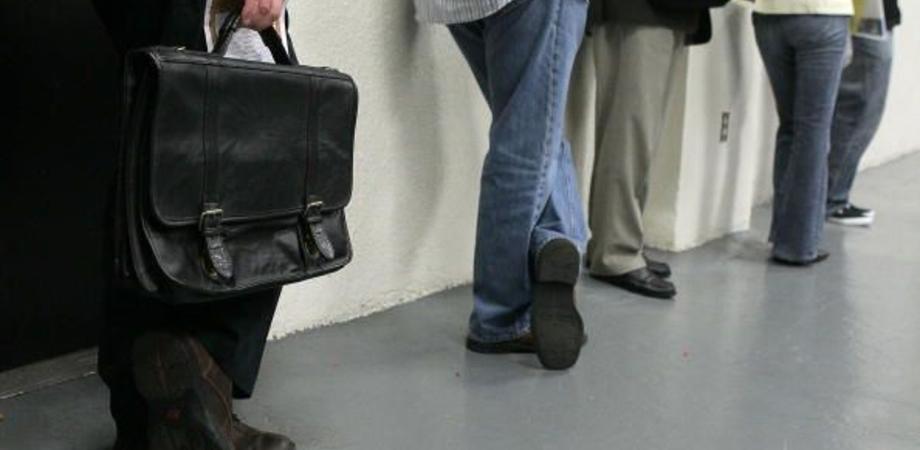 Lavoro, la Sicilia non decolla. Rapporto Bankitalia: disoccupazione giovanile schizza al 40%. In crescita per l'occupazione femminile