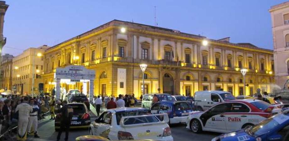 Rally di Caltanissetta, tanti big in gara. A mezzanotte partenza da piazza Garibaldi