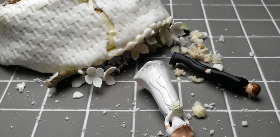 """Confetti & cazzotti. Zuffa fra due fratelli dopo il matrimonio, Pian del Lago diventa """"ring"""""""