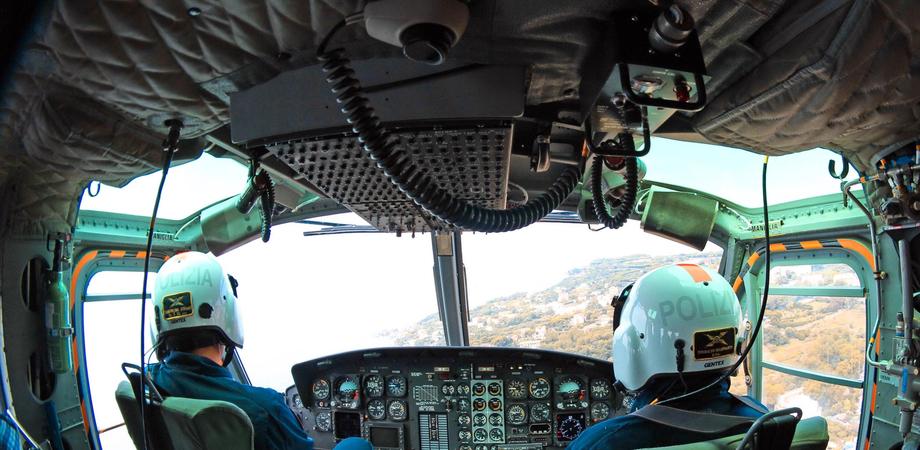 Antiterrorismo a Caltanissetta, scattano i controlli. In volo elicottero della Polizia e pattuglie su strada