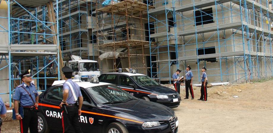 Ruba ferraglia nel cantiere di un'impresa. Disoccupato arrestato nel Nisseno dai carabinieri