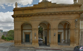 http://www.seguonews.it/caltanissetta-cimitero-angeli-strada-franata-inaccessibile-disagi-visitatori