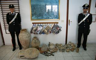 http://www.seguonews.it/gela-trova-reperti-archeologici-in-casa-madre-morta-manufatti-antichi-esposti-come-soprammobili