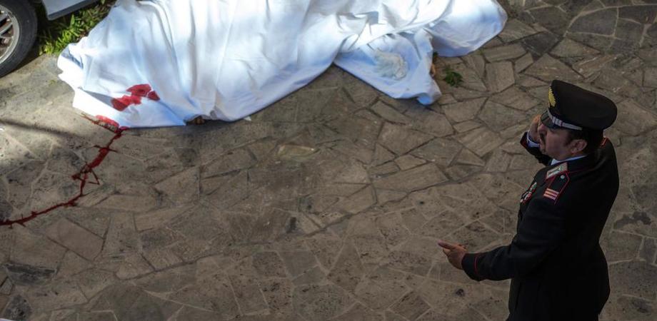 Ingegnere si getta dal balcone a Gela. Non si era rassegnato alla morte della sorella travolta da una moto