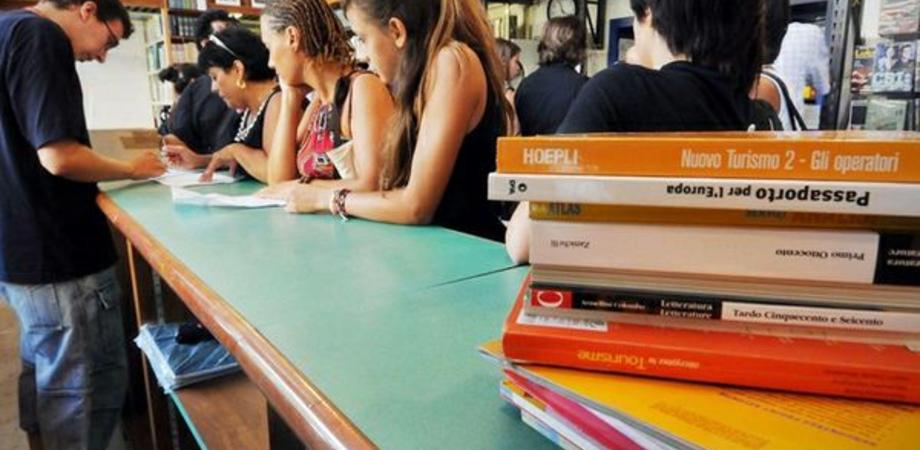 Al via il mercatino del libro usato, Rete Studenti Medi contro il caro libri