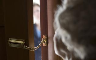 http://www.seguonews.it/mi-e-caduto-il-ciuccio-nel-suo-balcone-anziana-nissena-fa-entrare-ladra-i-complici-la-derubano
