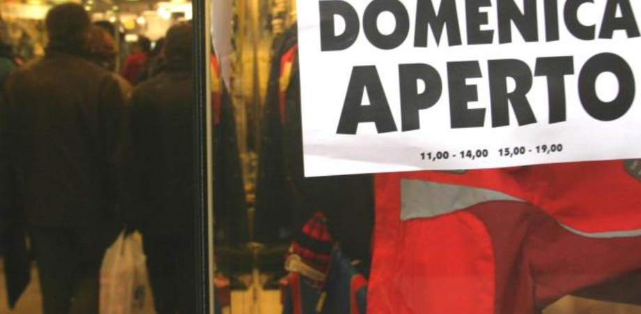 Commercio a caltanissetta negozi aperti domenica 7 for Negozi arredamento aperti domenica