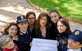 http://www.seguonews.it/la-polizia-di-stato-con-le-donne-l8-marzo-convegno-al-centro-culturale-michele-abbate